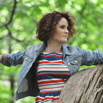 LISBEE STAINTON TO SUPPORT GRETCHEN PETERS ON UK TOUR